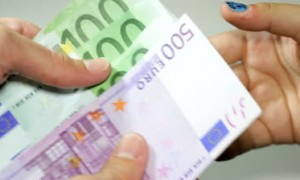 stock-footage-counting-money-big-euro-banknotes-paying-money-or-being-payed-europe-banknotes-freshly-printed