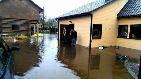 Urgas upe applūdina mājas Ogrē