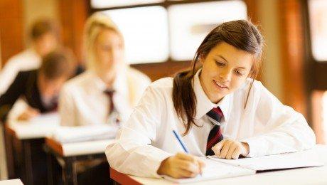 Vai aptur ieceri noteikt minimālo skolēnu skaitu 10. klasēs?