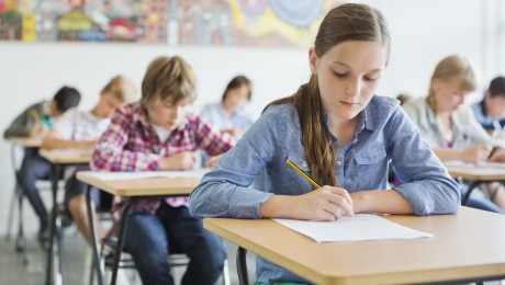 Lauku skolās aizvien grūtāk nokomplektēt 10. klasi